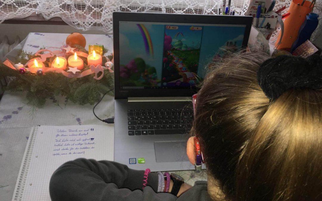 Internet und Laptop